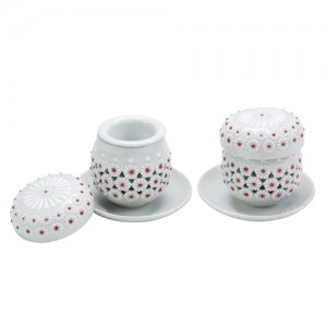 White Porcelain tea cup set (Design: Chrysanthemum)