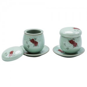 Teacup Set with Red flowers (White)