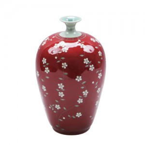 Gourd bottle with red apricot flower