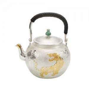 Silver Tepot with Tiger Design