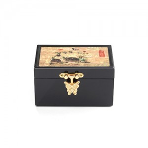 Jewelry Box (Design: The painting of grass and insects)