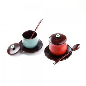 Lacquered Teacup Set