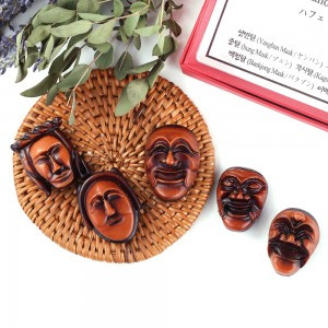 A Set of Magnets (Korean Traditional Mask-Hahoe)